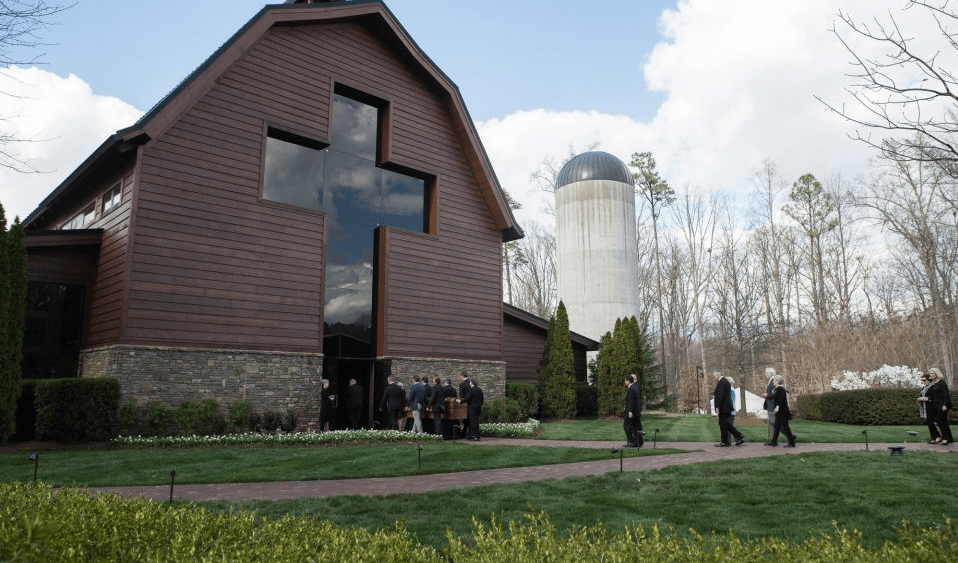 A private funeral service will be held on Friday, March 2. Graham will be buried beside his wife, Ruth, at the foot of the cross-shaped brick walkway in the Prayer Garden, on the northeast side of the Billy Graham Library in North Carolina.