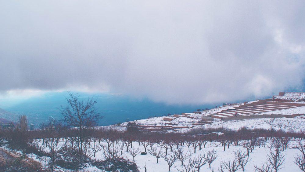 Snow blankets Bloudan, Syria