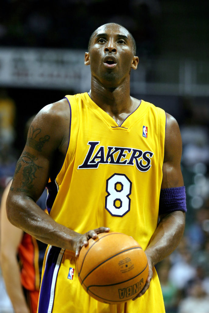 Kobe Bryant of LA lakers. Image: Sgt. Joseph A. Lee - a derivative work of JoeJohnson2 [Public domain].
