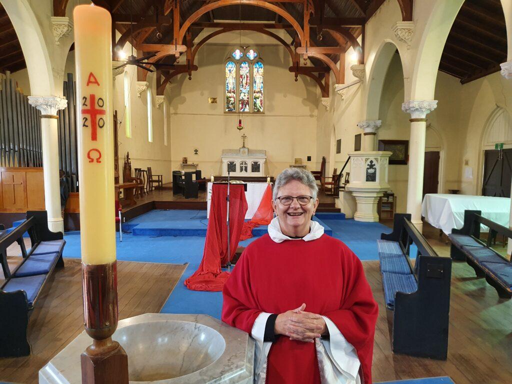 Rev Dr Elizabeth Smith (AM)